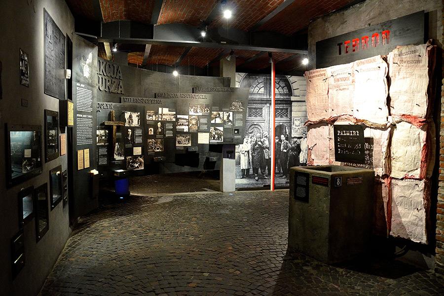 Visiting-Warsaw.Com_Warsaw Uprising Museum_1