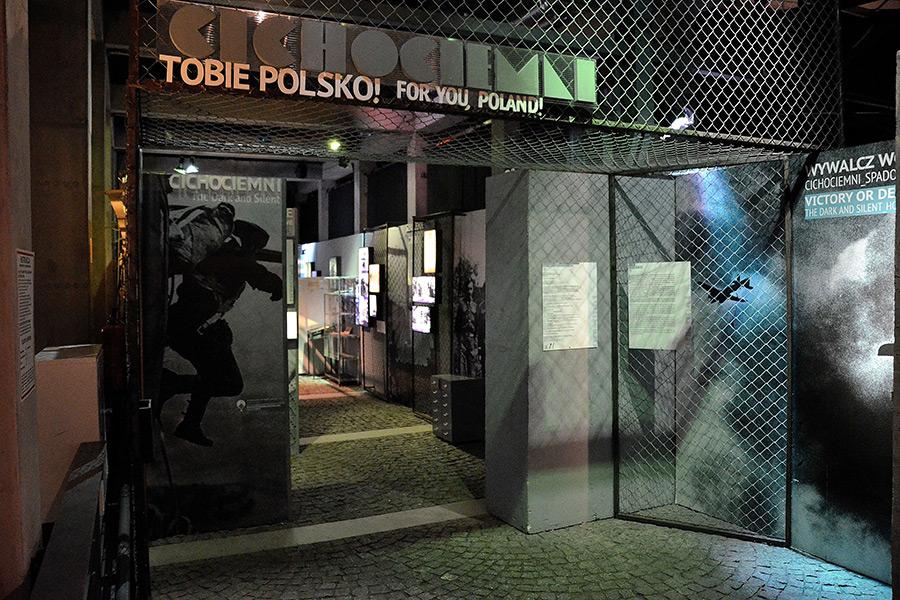 Visiting-Warsaw.Com_Warsaw Uprising Museum_4
