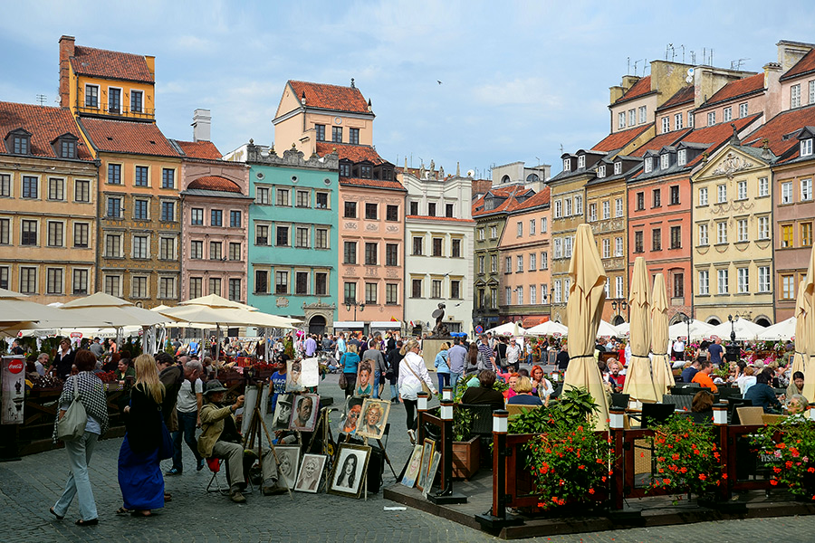 Visiting-Warsaw.Com_Warsaw Old Market Square_1