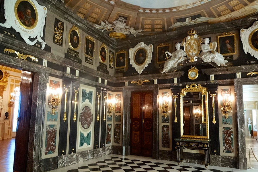 royal-castle_04